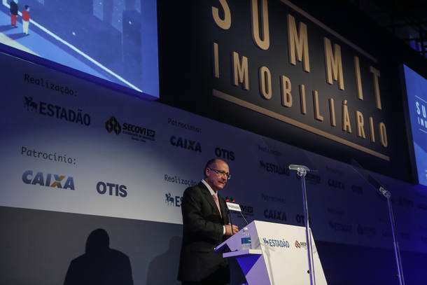 SAO PAULO - SP / 04.04.2017/ SUMMIT IMOBILIARIO 2017 / ECONOMIA Geraldo Alckmin, governador do estado de Sao Paulo discursa durante o Summit Imobiliario 2017, evento organizado pelo Estadao. FOTO AMANDA PEROBELLI/ESTADAO