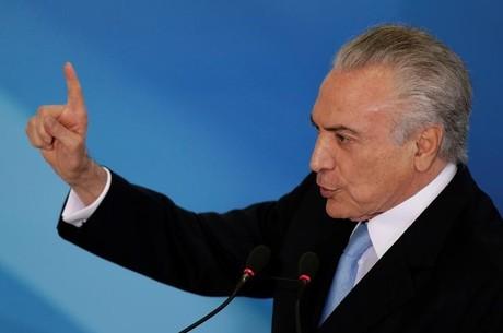 Presidente Michel Temer durante cerimônia no Palácio do Planalto em Brasília. 31/05/2017 REUTERS/Ueslei Marcelino