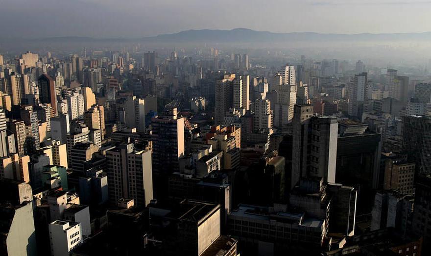 Centro de São Paulo, visto do edifício Copan. 26/06/2007. Foto: NILTON FUKUDA